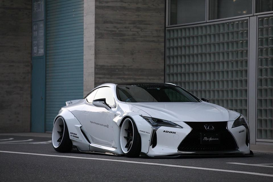 Liberty Walk Lexus LC500/500h