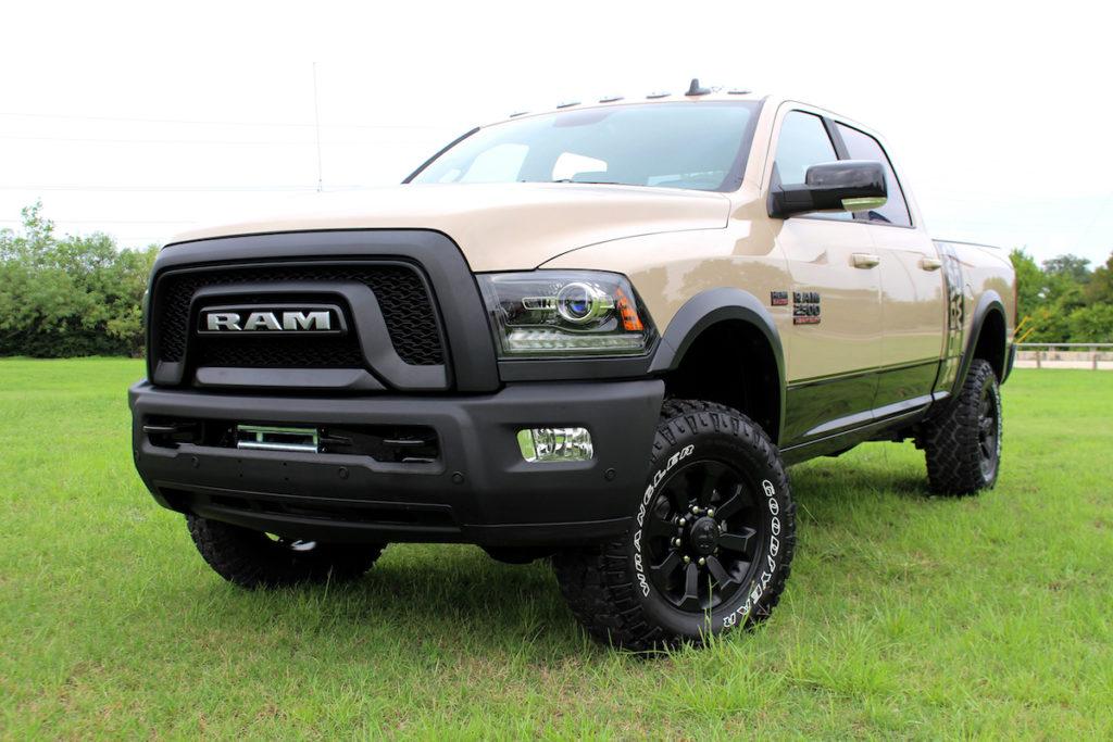 Ram limitiertes Sondermodell Ram Power Wagon Mojave Sand Edition Offroader Allradler