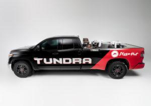 SEMA Show 2018 Las Vegas Toyota Pizza Hut Tundra Pro Pie Pizzaautomat Roboter Brennstoffzelle Wasserstoff Tuning Showcar