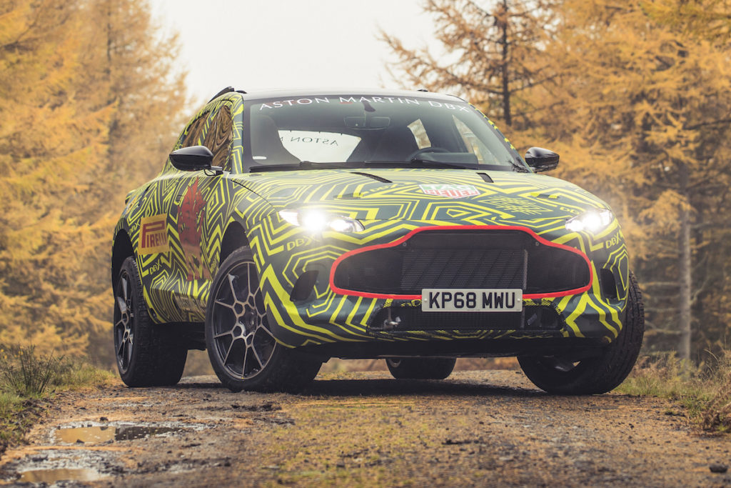 Aston Martin DBX Prototyp Erlkönig Testfahrt Allradler SUV Wales Neuheit 2019
