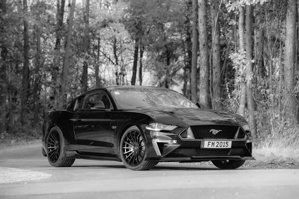 Abbes-Maßanzug für den Ford Mustang!