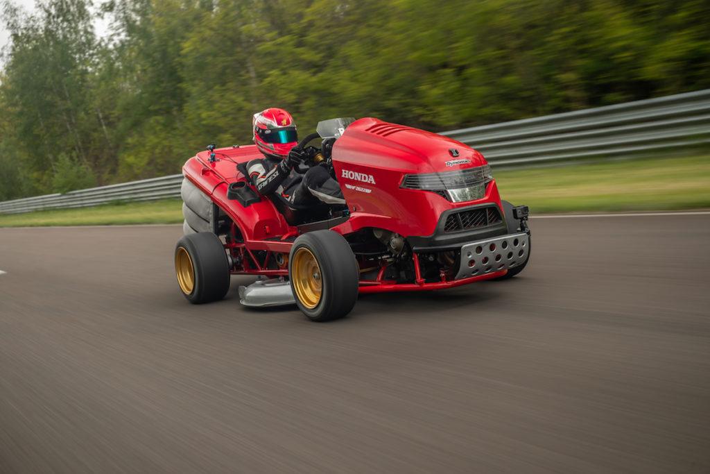 Honda Mean Mower V2 Geschwindigkeitsrekord Rasenmäher Lausitzring