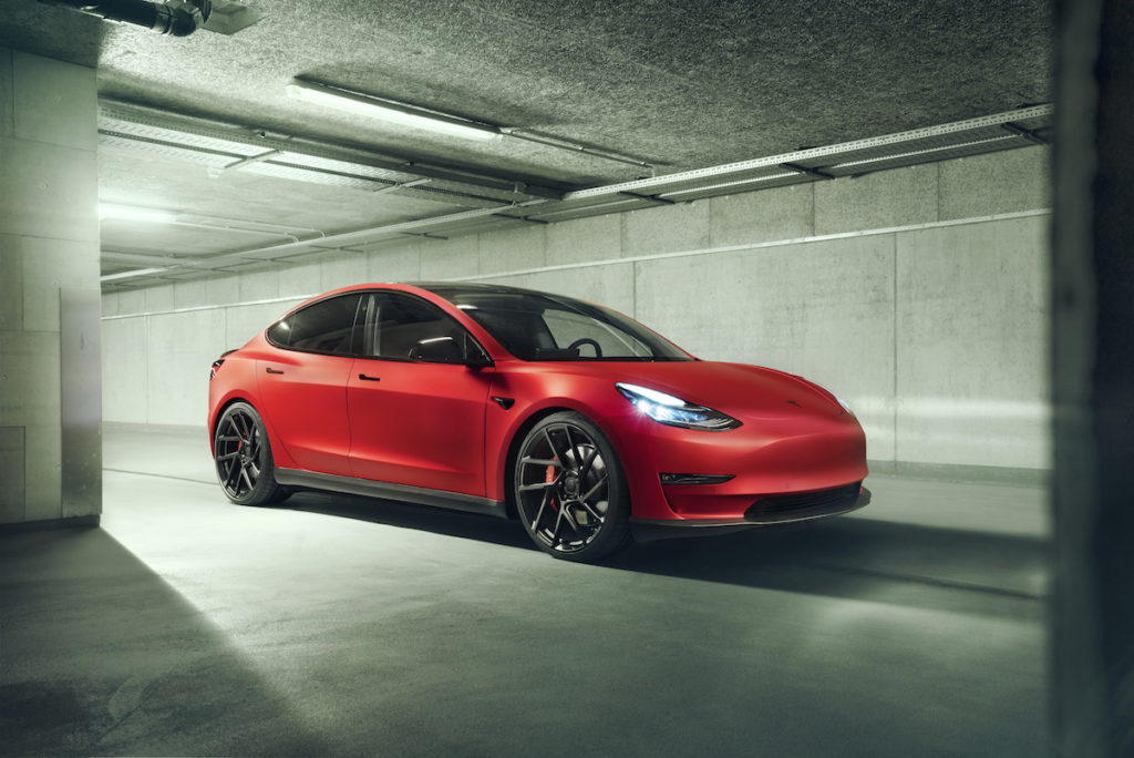 Tesla Model 3 Elektroauto Tuning Novitec Carbon Anbauteile Fahrwerk Felgen Vossen Innenraum
