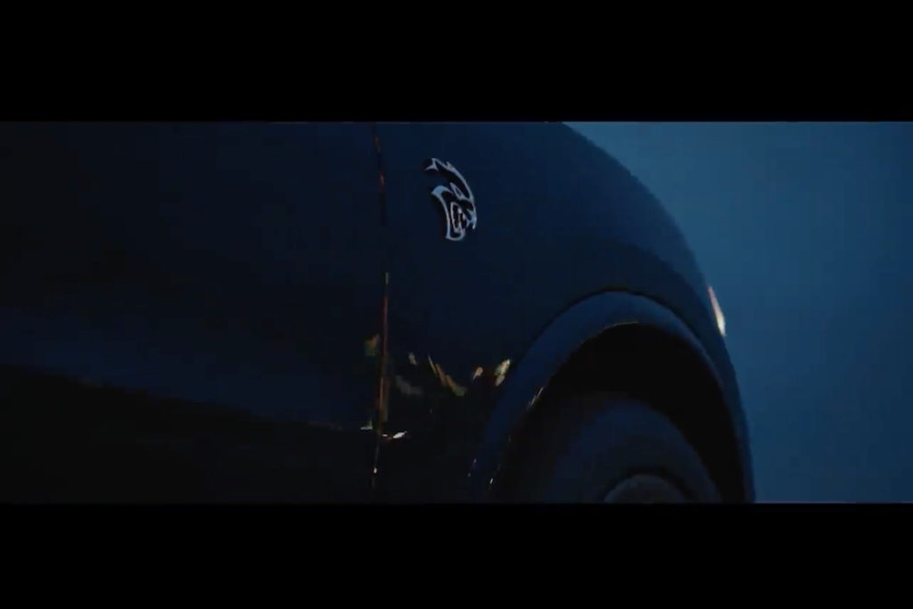 Teaser Neuheit Dodge Durango Hellcat Power-SUV Teaser April 2020 New York International Auto Show