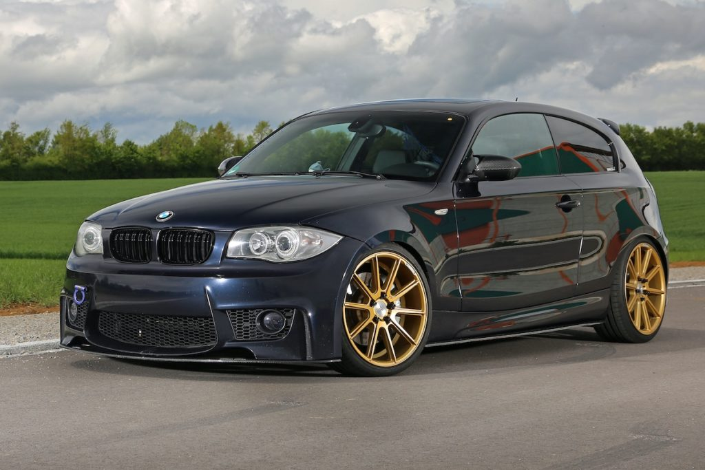Jasmin BMW 118d Tuning Kompaktklasse 1er M-Style Bodykit Felgen Innenraum Tieferlegung
