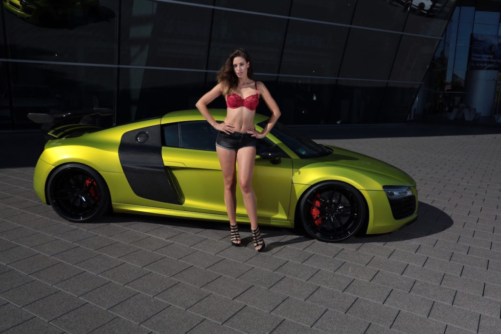 Audi R8 V10 5.2 FSI Coupé Stier Tuning Felgen Fahrwerk Folierung Heckflügel Model Crissy