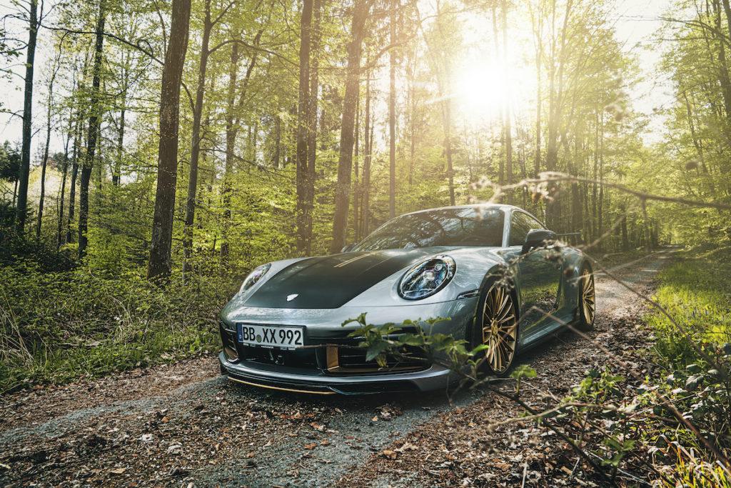 Porsche 911 992 Sportwagen Tuning Veredlung Techart Leistungssteigerung Titan-Abgasanlage Carbon-Endrohre