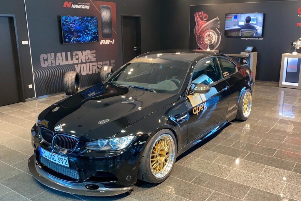 Showroom Nankang Tyres Nürburgring Boulevard Reifen BMW E92 3er Coupé