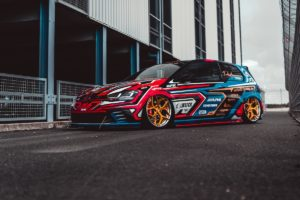 VW Golf GTI Clubsport Tuning Leistungssteigerung APR Bodykit Folierung Felgen Yido Performance YP 7.2 Forged Tieferlegung Airride