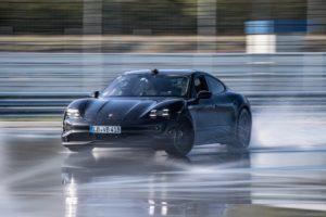 Drift-Rekord für Elektroautos Porsche Taycan Einstiegsmodell Heckantrieb Hockenheim