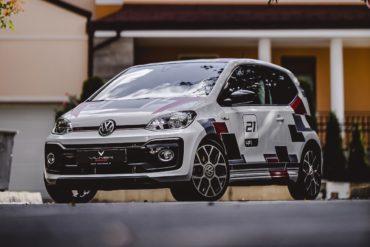 VW up! GTI Tuning Veredlung Folierung Innenraum Interieur Cockpit Vilner Garage Sofia Bulgarien