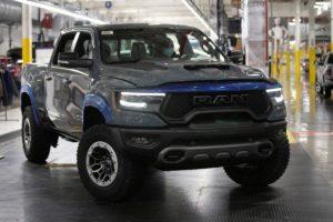 Ram 1500 TRX Neuheit Pick-up Topmodell US-Car Kompressor HEMI-V8 Achtzylinder Produktionsstart Michigan erstes Exemplar Versteigerung