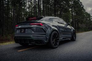1016 Industries Lamborghini Urus SUV Tuning Breitbau Bodykit Widebody Jade-Carbon Leistungssteigerung Harrison Woodruff