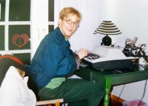 1997: Michael Cahsel gründet seinUnternehmen – mit Schreibmaschineund 90er-Modesünden.