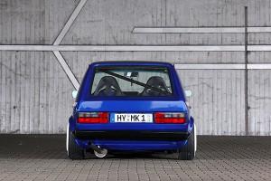 VW Golf I Blau