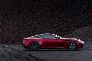 Aston Martin DBS Superleggera Sportwagen V12