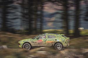 Aston Martin DBX 2019 Neuheit SUV Prototyp Erlkönig Testfahrt