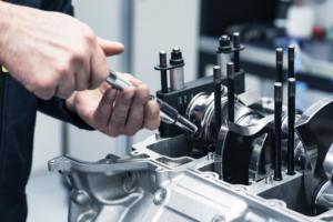 Aston Martin neuer V6-Motor Eigenentwicklung Elektrifizierung Hybrid Valhalla Mittelmotor