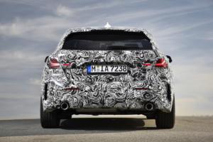 BMW 1er Kompaktklasse Neuheit Testfahrt Erprobung Miramas Frankreich Prototyp Vorserienfahrzeug