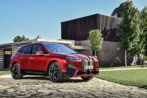BMW iX Elektroauto Crossover SUV Neuheit Vorstellung Sportpaket