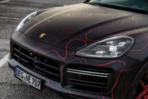 Black Box-Richter Nebulus Porsche Cayenne Turbo SUV Sportler Tuning Leistungssteigerung Folierung Felgen