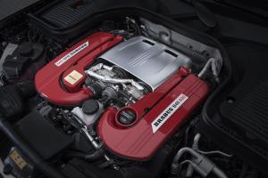 Brabus 600 Compact SUV Mercedes-AMG GLC 63 S Tuning