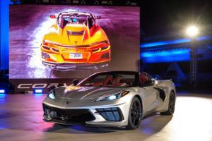 Chevrolet Corvette C8 Stingray Convertible Hardtop Cabriolet Neuheit Mittelmotor Sportwagen US-Car Livebild