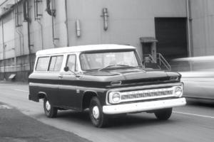 Chevrolet Suburban Jubiläum 85 Jahre US-Car SUV 1966