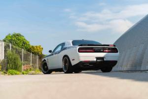 Dodge Challenger von DOTZ Tuning Wheels