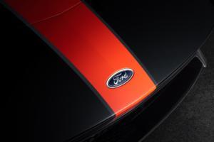 Ford GT Studio Collection Mittelmotor Sportwagen Sondermodell Shadow Black Competition Orange