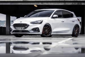 Ford Focus ST mit Barracuda Wheels