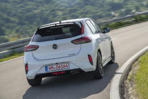 Irmscher Weiße Flotte Neuauflage Corsa Tuning Felgen Bodykit Leistungssteigerung