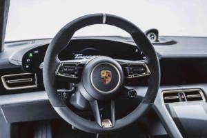 Porsche Taycan Turbo S von Mansory