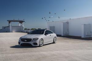 Mercedes-Benz E 450 4MATIC Coupé Felgen Vossen HF-4T Tieferlegung Folierung