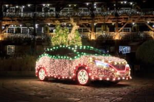 Nissan Leaf Tree Elektroauto Weihnachtsbeleuchtung