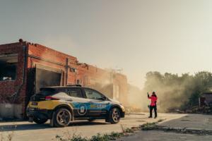 Nissan RE-LEAF Kompaktwagen Elektroauto Katastrophenhilfe Stromversorgung Studie Showcar