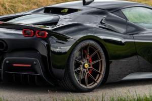 Novitec Ferrari SF90 Stradale Tuning Abgasanlage Felgen Plug-in-Hybrid Supersportwagen