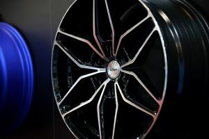 Oxigin Essen Motor Show 2018 OX24 Oxroad Felgen Tuning