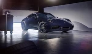 Porsche 911 Carrera 4S Belgian Legend Edition Jacky Ickx limitiertes Sondermodell 992 Coupe
