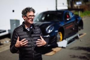 Porsche-911-GT2-RS-Manthey-Racing-Performance-Kit-Porsche-Tequipment-Nürburgring-Nordschleife-Rundenrekord-Serien-Sportwagen-Straßenzulassung-10