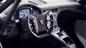 Porsche 935 2019 Innenraum Interieur Cockpit