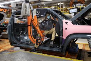 Ram 1500 TRX Neuheit Pick-up Topmodell US-Car Produktionsstart erstes Exemplar Versteigerung
