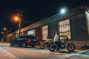 Rolls-Royce-Cullinan-Luxus-SUV-in-Los-Angeles-automobile-Subkultur-Nacht-13