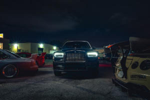 Rolls-Royce-Cullinan-Luxus-SUV-in-Los-Angeles-automobile-Subkultur-Nacht-15
