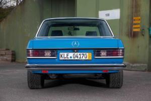 Mercedes-Benz W123 230 E 3.0-24V blau