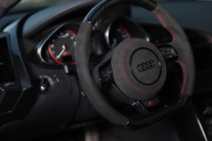 Stier Tuning Audi R8 42 V10 5.2 FSI Mittelmotor Sportwagen Felgen Fahrwerk Folierung Anbauteile Model Crissy
