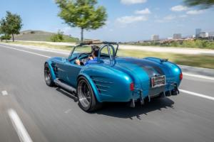 Superformance MKIII-R Cobra Roadster 1965 Replika Lizenzbau