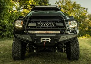 Toyota Tundra Platinum Kevin Costner Offroad-Pick-up SEMA Show 2018 Las Vegas