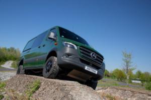 VANSPORTS.DE Mercedes Sprinter 4x4 Baureihe 907 Tuning Veredlung Offroader Allradler Transporter Nutzfahrzeug Felgen Reifen Unterfahrschutz