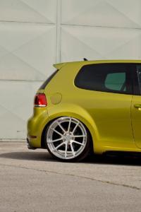 VW Golf 6 GTI Kompaktsportler Hot-Hatch Tuning Tieferlegung Felgen Widebody Leistungssteigerung
